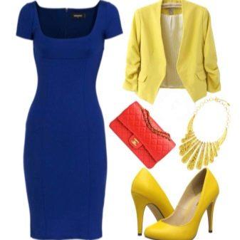 Желтая обувь к синему платью