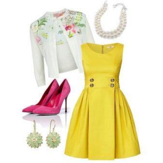 Белый пиджак к желтому платью