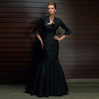 темное вечернее платье из тафты