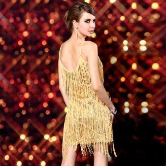 Золотое платье с бахромой