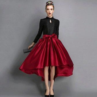 Бордовая юбка с бантом - вечерний образ