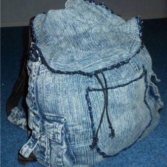 a79382240dd0 Самый простой рюкзак сможет сделать каждый желающий, ведь для него даже не  нужно делать выкройку. Он похож на мешок, компактный и вместительный.