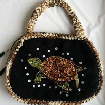 7fb4db8b67f5 Как украсить сумку своими руками (93 фото): декупаж, вышивка и ...