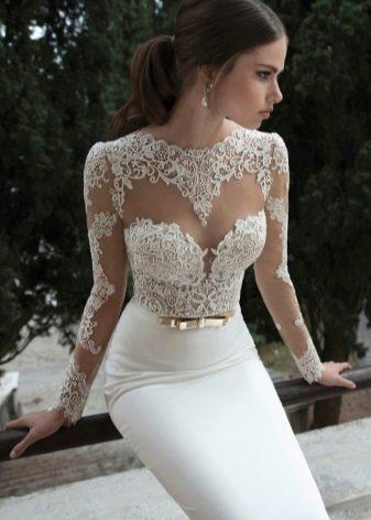 Свадебное платье длинное с кружевным лифом