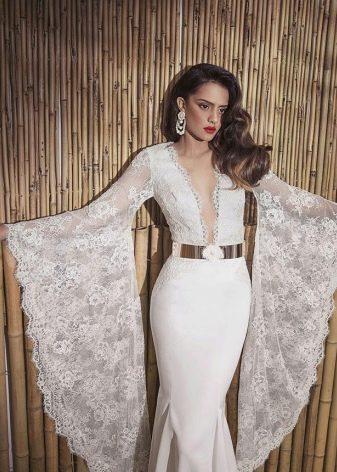 Свадебное сексуальное платье с рукавами и глубоким декольте