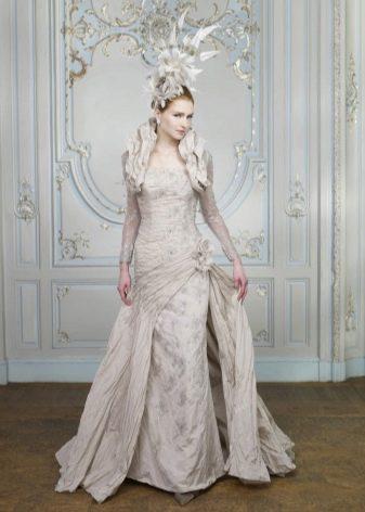 Свадебное серебристое платье из парчи