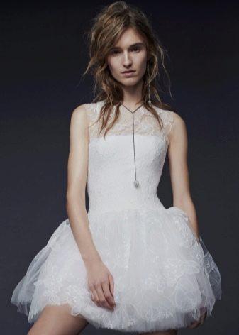 Короткое свадебное платье от Веры Вонг
