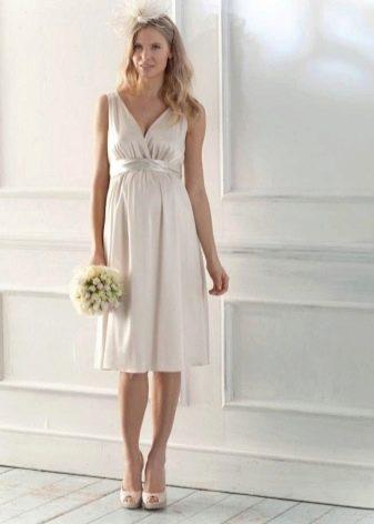 Свадебное платье для беременной из шелка