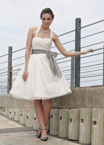 Свадебное платье А-силуэта для беременных невест