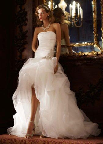 Босоножки к свадебному короткому платью со шлейфом