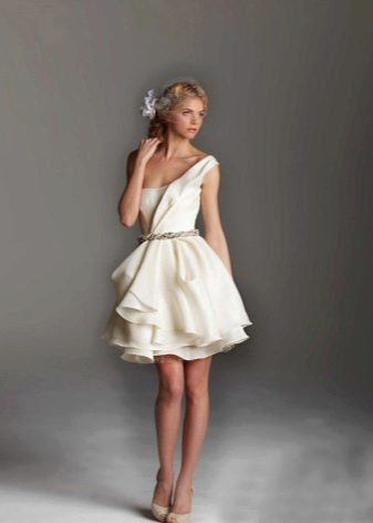 Короткое свадебное платье с драпировка