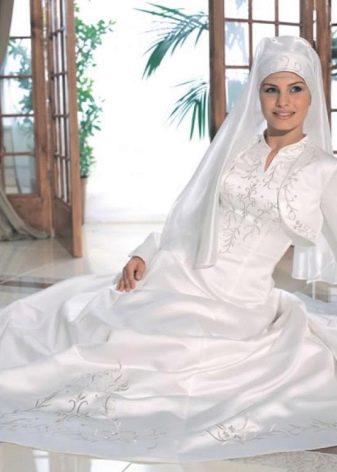 Мусульманское свадебное платье с болеро