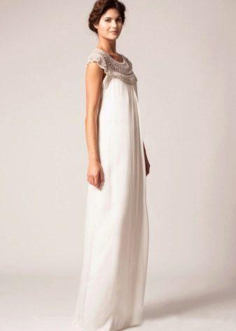 Прямое свадебное платье с орнаментом
