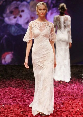 Свадебное платье с кружевным верхом прямое