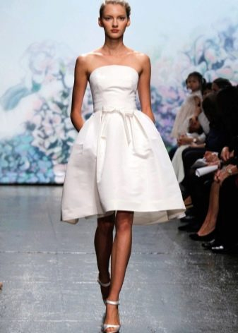 Свадебное платье для пляжной церемонии: выбираем незабываемый пляжный образ