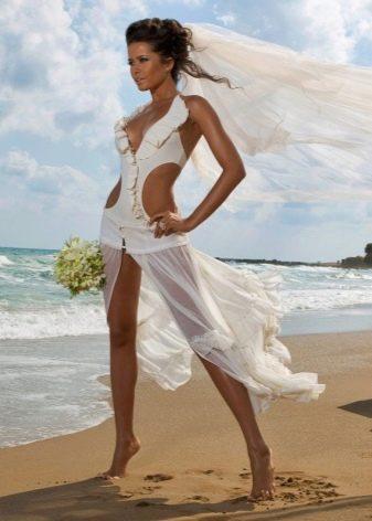 Фото платья на пляже