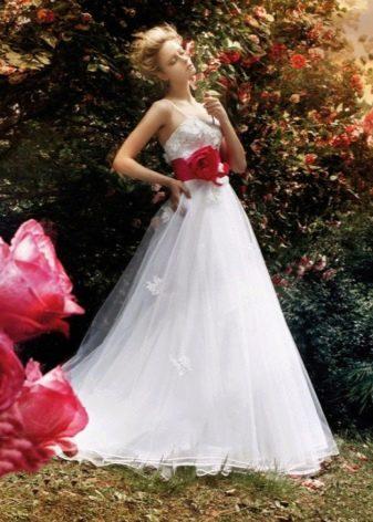 Свадебное платье пышное от бедра