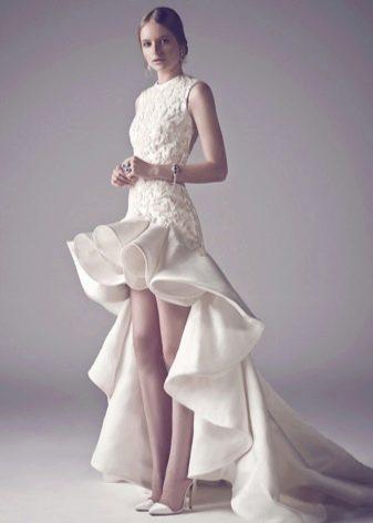 Свадебное платье от ashi короткое со шлейфом