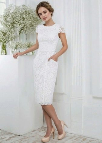 Свадебное укороченное кружевное платье