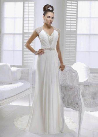 Греческое свадебное платье с v-образным вырезом