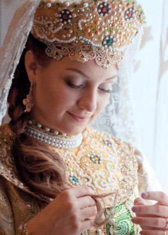Свадебный сарафан с кокошником