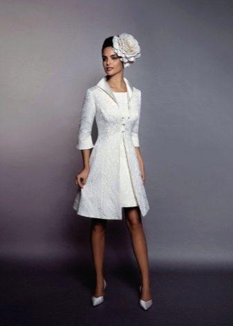 Свадебное платье с пиджаком
