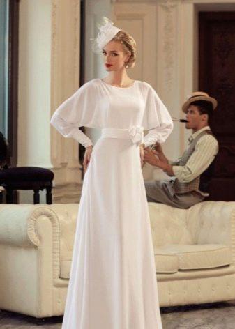 Свадебное простое винтажное платье с рукавами