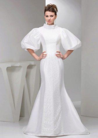 Свадебное платье с рукавом воздушный шар