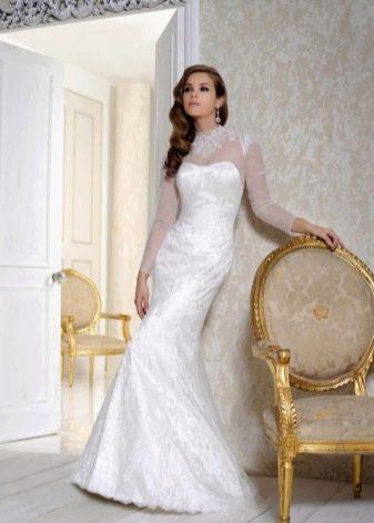 Свадебное платье с иллюзией рукавов