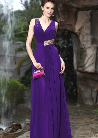 Фиолетовое вечернее платье с декором