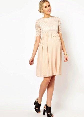 Вечернее платье для беременных с рукавами на свадьбу и кружевом