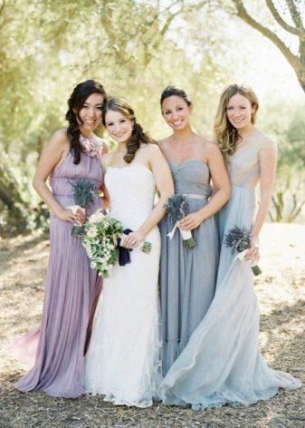 Разные оттенки одного цвета - подружки невесты
