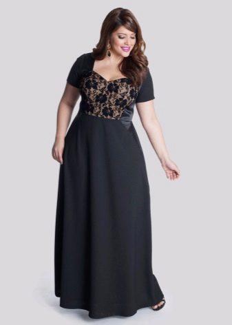 Вечернее платье с кружевной вставкой для полных