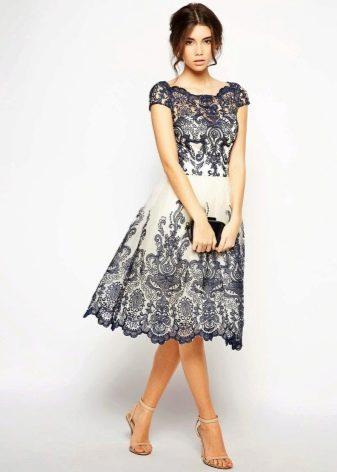 Бело-черное кружевное платье вечернее