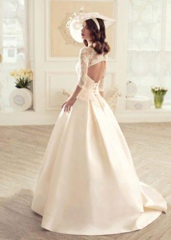 Свадебное платье с вырезом на спине из коллекции Утомленные роскошью Татьяны Каплун