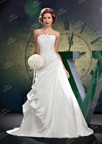 Свадебное платье а-силуэта от To Be Bride