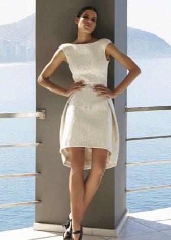Белое вечернее платье для встречи Нового года