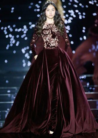 0de860f6c7d Красивое бархатное платье винного цвета