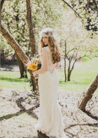 Белое свадебное платье для цветотипа весна