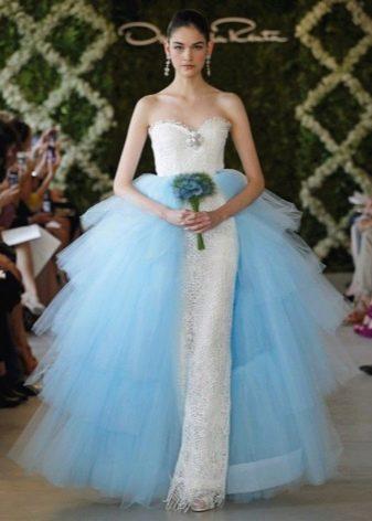 Свадебное платье с голубой юбкой