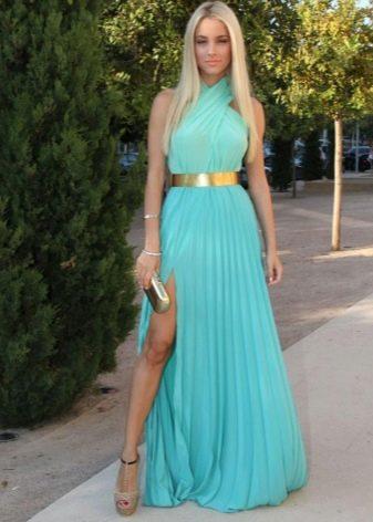 Бирюзовое платье с плиссированной юбкой