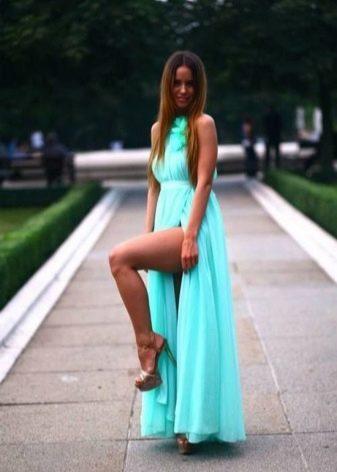 Бирюзовое платье для брюнетки