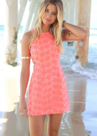 Аксессуары для кораллового платья на каждый день