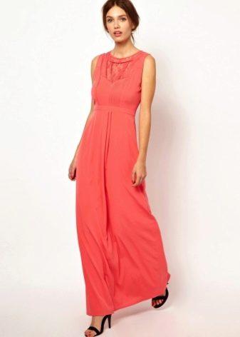 Коралловое платье розово-оранжевого оттенка