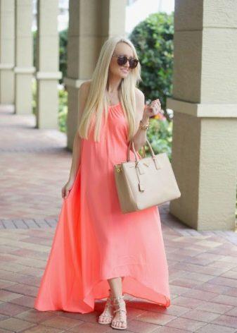 Яркое розово-оранжевое коралловое платье