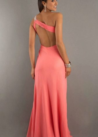 Яркое коралловое платье розово-оранжевого оттенка