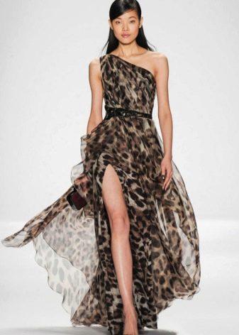 Черные туфли под леопардовое платье