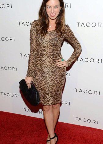 Леопардовое платье длины миди