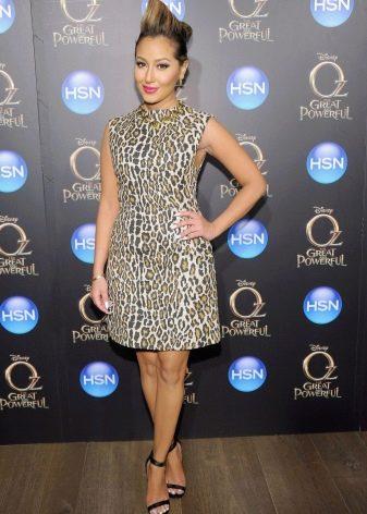 Леопардовое платье-шифт без рукавов