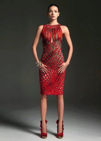 Леопадовые вставки на красном платье